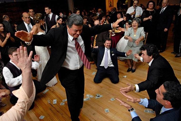 greek-money-dance